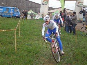 Cyclo-cross de la Plaine (58) samedi 24 Novembre : Forestier et Lutsen main dans la main. pb240137-300x225