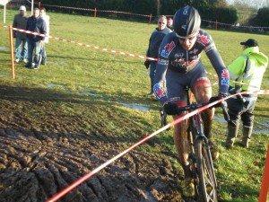 Nicolas Bazin remporte le cyclo-cross de Saint-Saulge (58) : jeudi 27 Décembre 2012. pc2700482-300x225